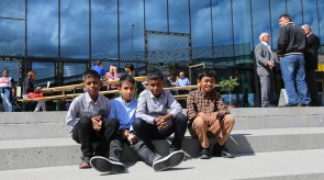 Schweizer Jungs mit tamilischen Wurzeln
